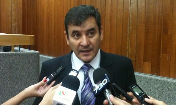 Em caso de empate, Clécio Alves vai votar contra o aumento