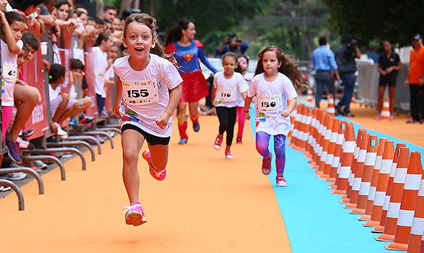 Prática de corrida infantil: diverte e faz bem