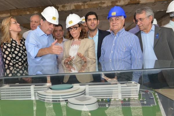 Presidente Helio de Sousa recebe governador Marconi Perillo   Foto: Carlos Costa/Assembleia Legislativa