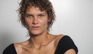 Loemy Marques: atualmente, a jovem ex-modelo representa a necessidade de discutir meios eficazes de recuperar as pessoas que utilizam drogas Foto: Mário Rodrigues/Veja