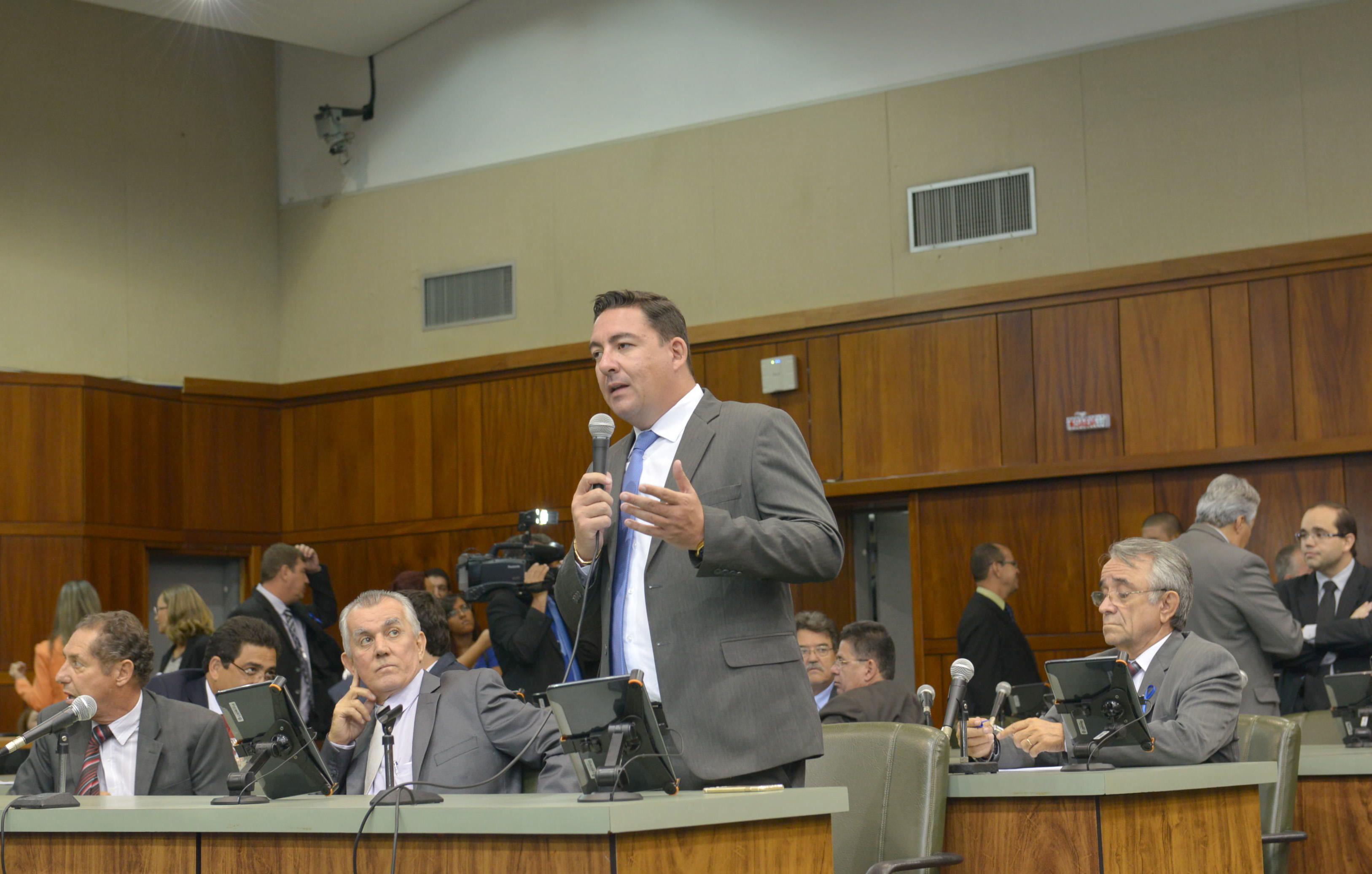 Deputado José Vitti questiona possíveis problemas relativos à reforma administrativa do governo