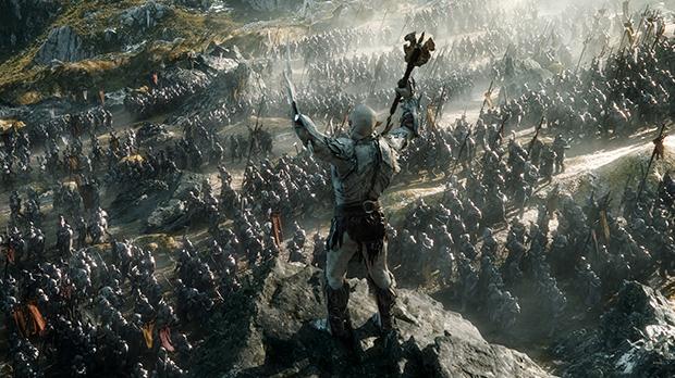 aAzog, o comandante das forças orcs dando ordem de ataque contra os exércitos de elfos, homens e anões