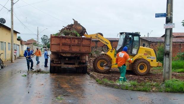 Comurg e Amma já estão multando quem jogar lixo e entulho nas vias públicas