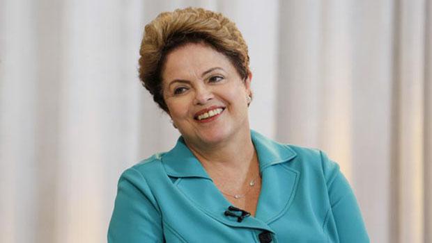 Presidente Dilma Rousseff define salário mínimo em R$ 788 para 2015