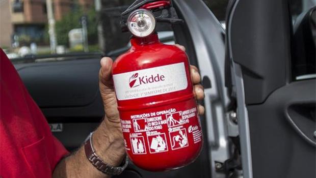 Uso do extintor de incêndio do tipo ABC em veículos passa a ser obrigatório a partir de amanhã (1º)Marcelo Camargo/Agência Brasil