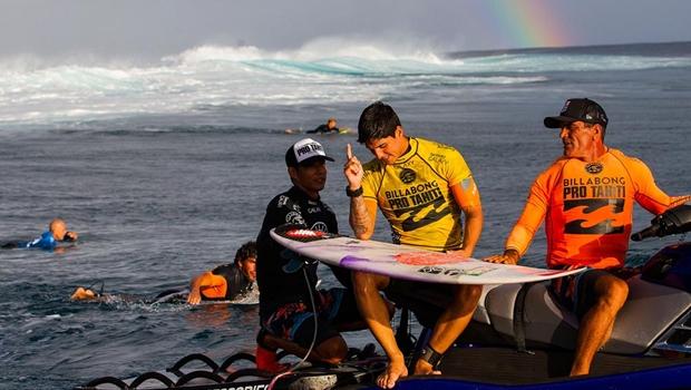 Sem se vacinar, Gabriel Medina perderá etapa do Mundial de Surfe