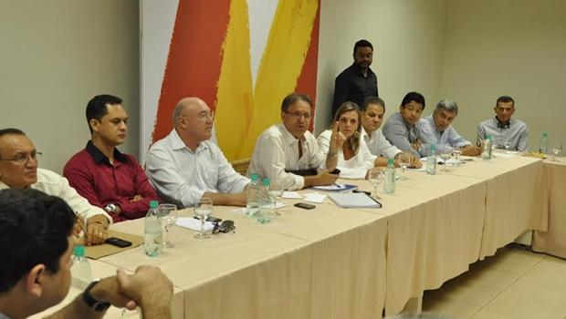 Marcelo Miranda e equipe de transição no anúncio do secretariado no último dia 5| Foto: divulgação