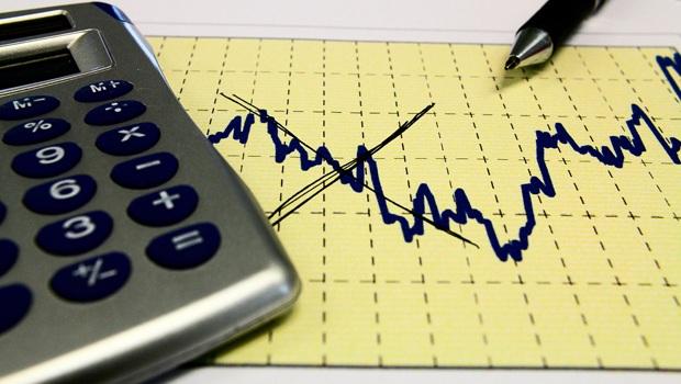 Arrecadação federal registra primeira queda em cinco anos
