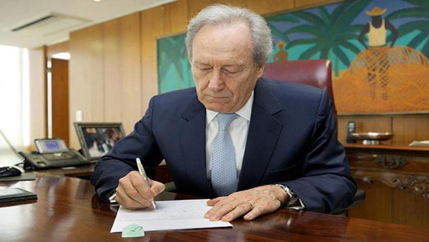 Presidente do Supremo nega liberdade a dois executivos da OAS
