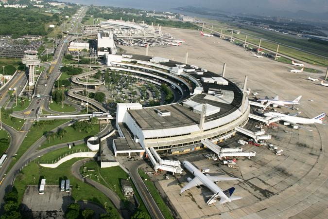 Balão cai no Aeroporto do Galeão mas não prejudica operações