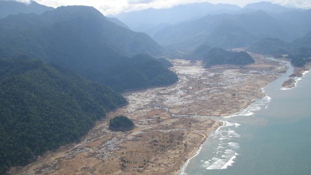 Maior desastre natural do século, tsunami do sul da Ásia completa dez anos