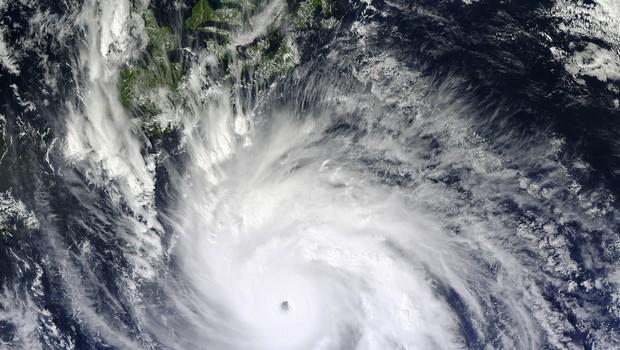 Imagem de satélite da Nasa mostra o tufão Hagupit que atingiu as Filipinas | Foto: Foto: Jeff Schmaltz/ Nasa