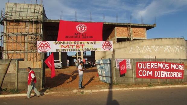 MTST ocupa prédio desocupado de maternidade em Aparecida de Goiânia