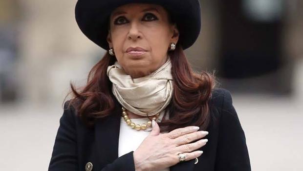 """Na Argentina, internautas culpam presidente por morte de promotor: """"Cristina assassina"""""""