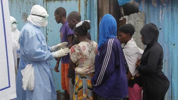 """Ebola: Nações Unidas advertem que epidemia """"ainda não está contida"""""""