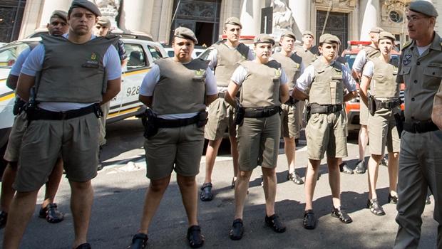 Lei que autoriza uso de bermudas no trabalho é sancionada no Rio de Janeiro