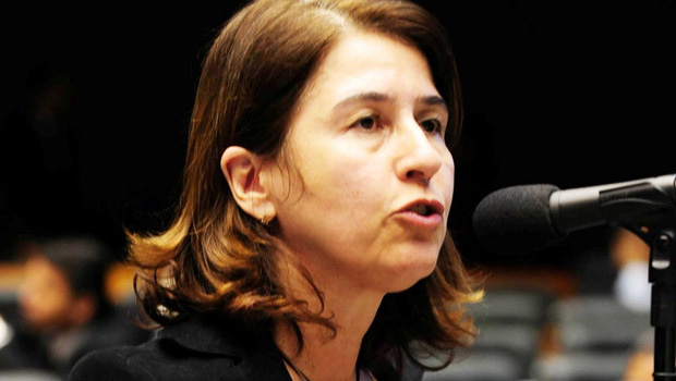 Marina Sant'Anna vai ouvir líder antes de assumir suplência
