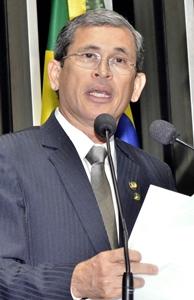 Senador Paulo Davim (PV-RN) é o autor do polêmico projeto