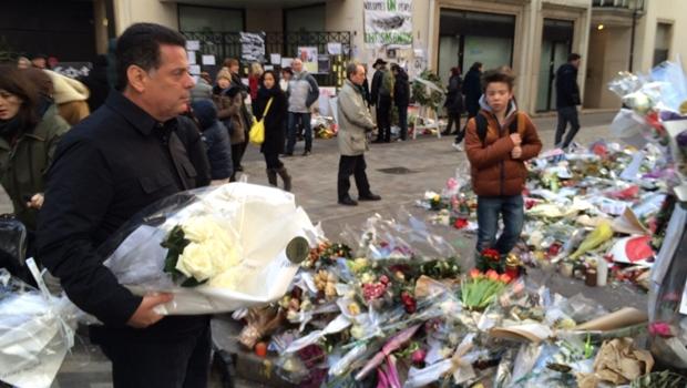 Antes de missão comercial, Marconi visita sede do semanário Charlie Hebdo, vítima de ataque terrorista