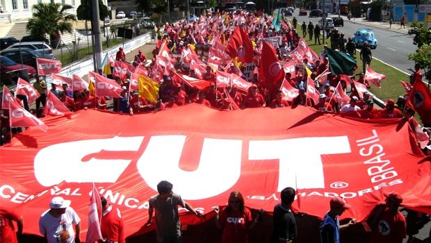 Medidas do governo desfavoráveis a trabalhadores assustaram Lula e o PT