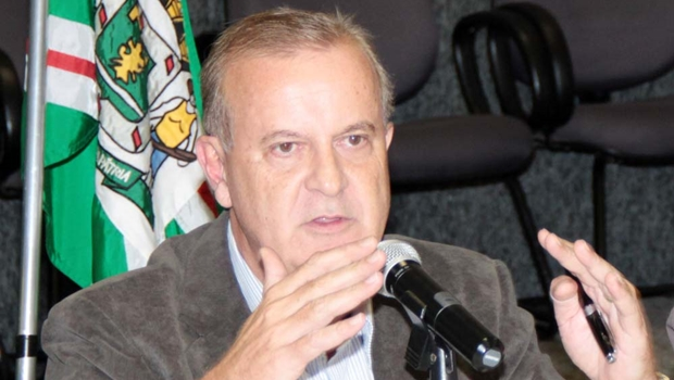Apostando na recuperação de Paulo Garcia, PT e PMDB iniciam articulações para 2016