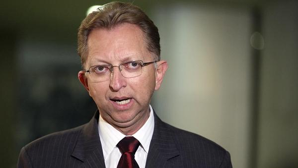 João Campos diz que decisão de permanecer na base ainda não está tomada