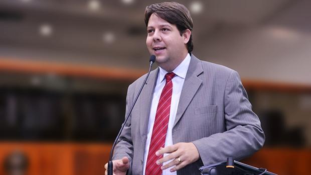 Karlos Cabral: petista quer mais uma candidatura   Foto: Marcos Kennedy/Alego