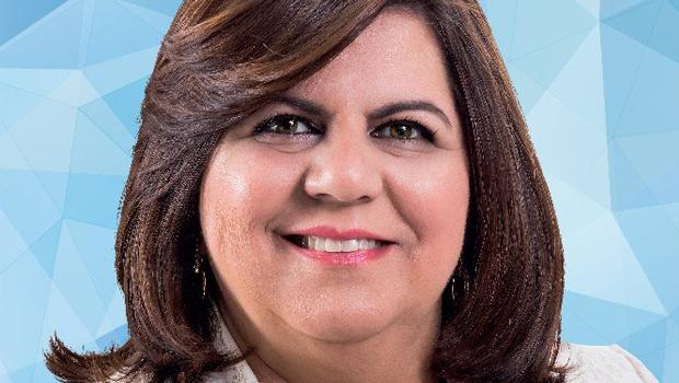 Uma mulher deve retirar Agenor Rezende da Prefeitura de Mineiros