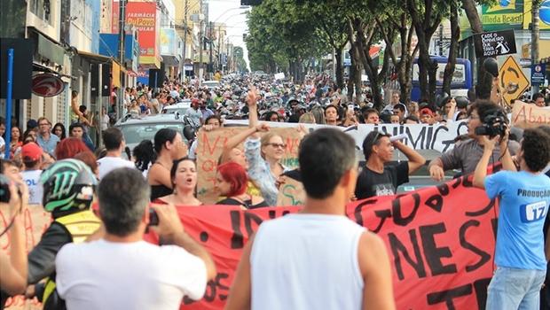 Moradores de Catalão saem em protesto | Foto: Portal/Catalão