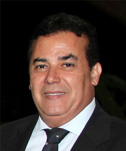 Na última quarta-feira, foi eleito e tomou posse no cargo de presidente da OAB-GO, para mandato-tampão,  o dr. Enil Henrique de Souza Filho