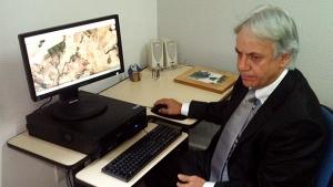 Luciano de Carvalho mostra áreas desmatadas | Foto: Marcello Dantas/Jornal Opção Online