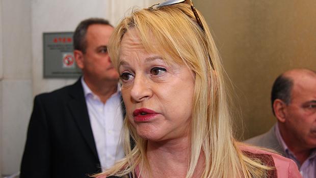 """""""Demorou"""", diz Magda Mofatto sobre processo de impeachment"""