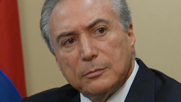 Temer responde a Renan e diz que decisões do PMDB são democráticas e legítimas