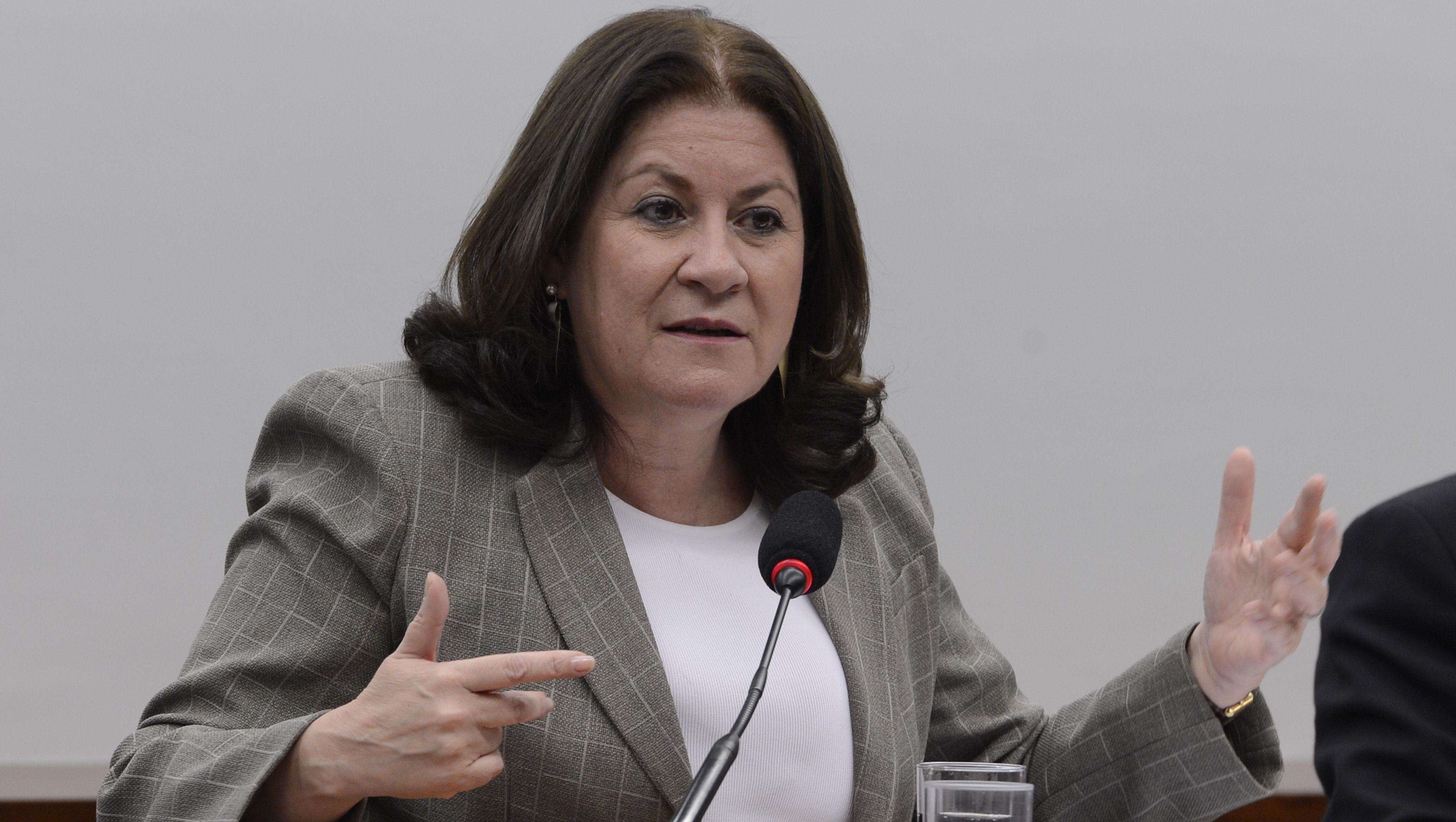 Miriam Belchior assume a presidência da Caixa