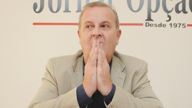 Veto de Paulo Garcia deve trazer de volta discussão sobre impeachment