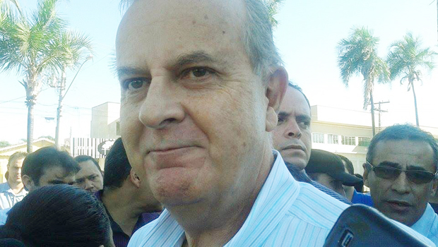 Sob protestos, Paulo Garcia autoriza obras do corredor da T-7