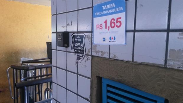 Nos terminais de ônibus, os valores já foram atualizados. A tarifa para o Eixo Anhanguera permanece a metade da tarifa comum  Foto: Marcelo Gouveia