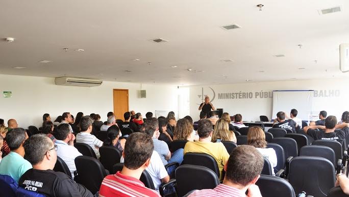 Às vésperas de completar um mês, servidores do MPU decidem pela continuidade da greve em Goiás