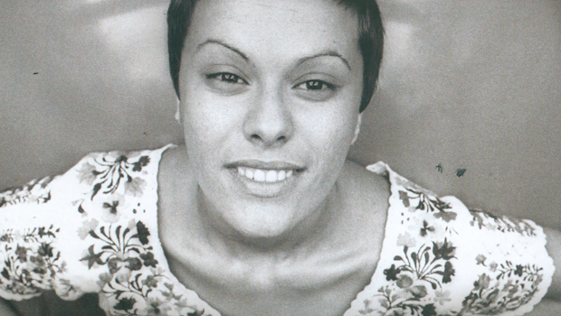 Biografia diz que Elis Regina perseguia cantoras como Alaíde Costa e Nana Caymmi de maneira implacável