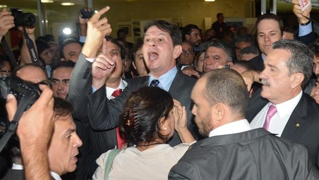 Cid Gomes discute na saída do Congresso: pagou porque falou verdades | Foto: Fabio Rodrigues Pozzebom/ Agência Brasil