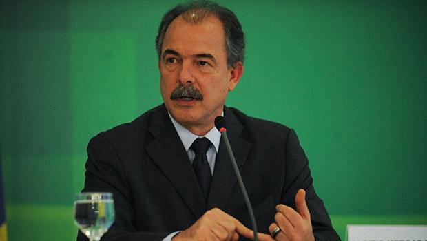 Ministro Aluizio Mercadante: Lula não quer, mas ele continua forte | Foto: José Cruz/Agência Brasil
