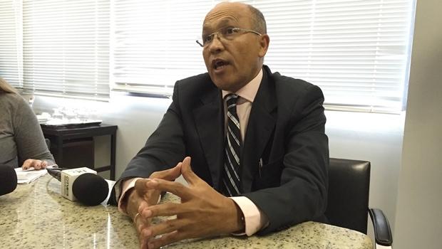 Secretário de Finanças, Jeovalter Correia, anuncia medidas para contenção de gastos | Foto: Laura Machado
