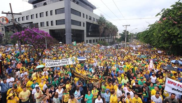 Veja fotos da manifestação que reuniu mais de 60 mil pessoas em Goiânia