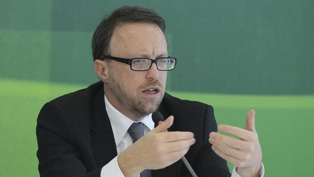 Ministro da Comunicação pede demissão e deixa governo