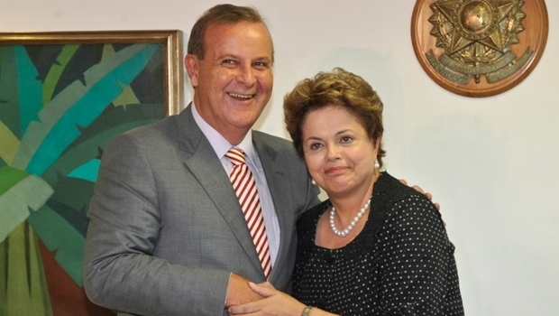 Prefeito Paulo Garcia recebe presidente Dilma Rousseff | Foto: José Cruz  / ABr