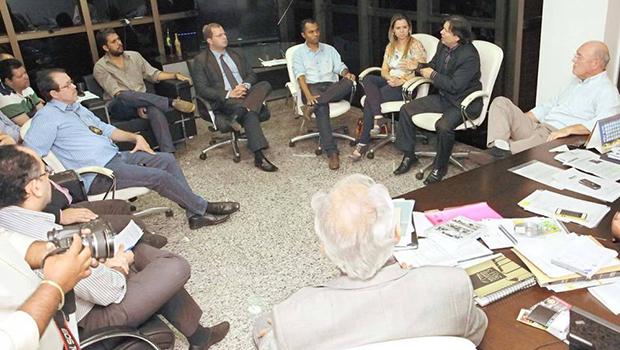 Governo e servidores continuam diálogo em busca de consenso para fim da crise
