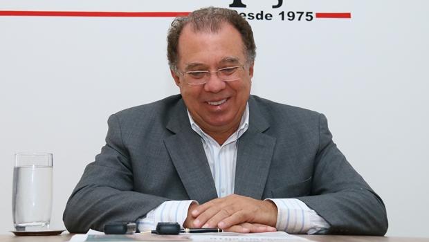 Câmara entrega título de cidadão goianiense a Frederico Jayme