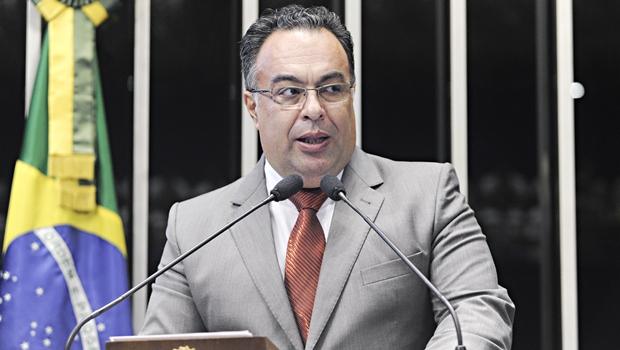 Ex-deputado André Vargas teria recebido 200 mil reais da JBS