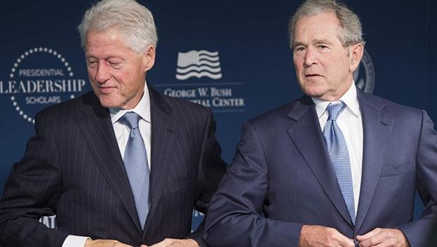 Comissão 11/9 descobriu que as sinopses diárias de inteligência dos líderes Bill Clinton e George Bush não os informavam adequadamente | Foto: Saul Loebsaul Loeb/AFP