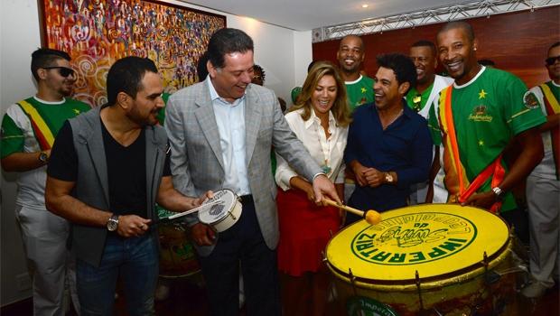 Governador Marconi e a primeira-dama Valéria durante o anúncio do samba-enredo sobre Goiás | Foto: Wagnas Cabral